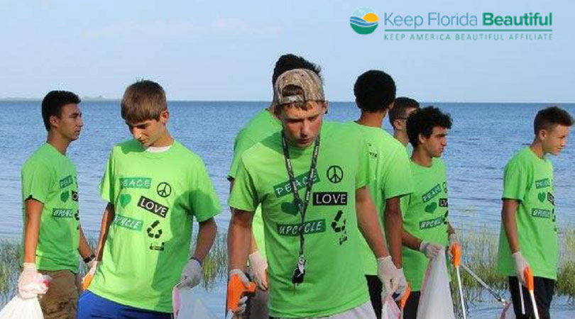 Youth Cleaning Up Trash on the Beach | Keep Florida Beautiful Blog